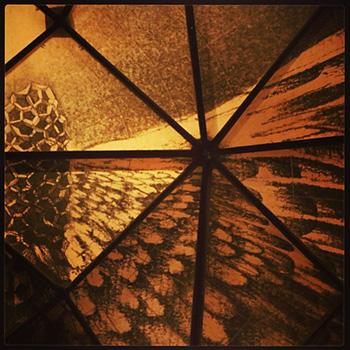 ドームの中に描かれた世界。